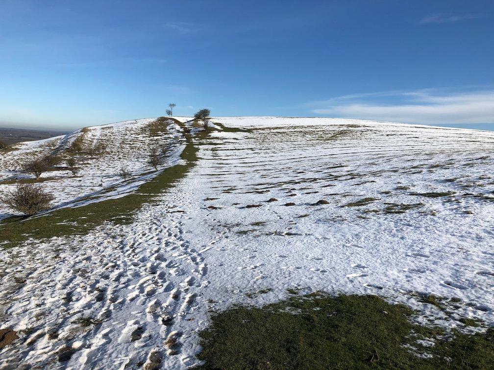 chilterns pegsdon hills walk snow deacon hill winter hillwalking.jpg