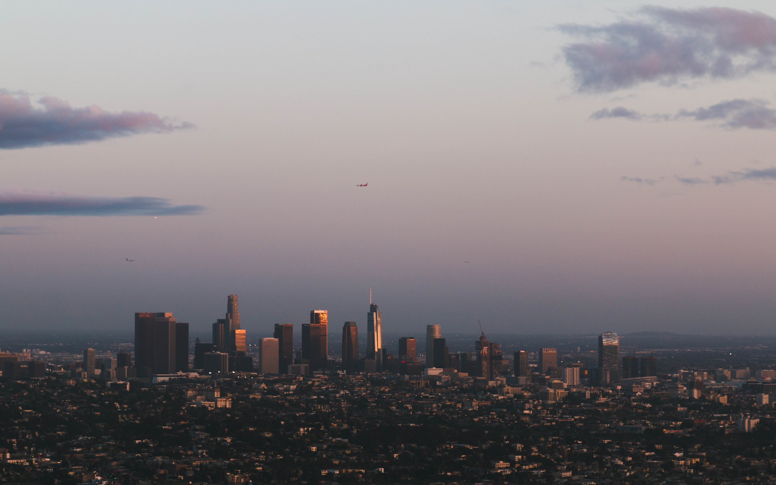 Southwest Airlines B737 Passing Over Los Angeles