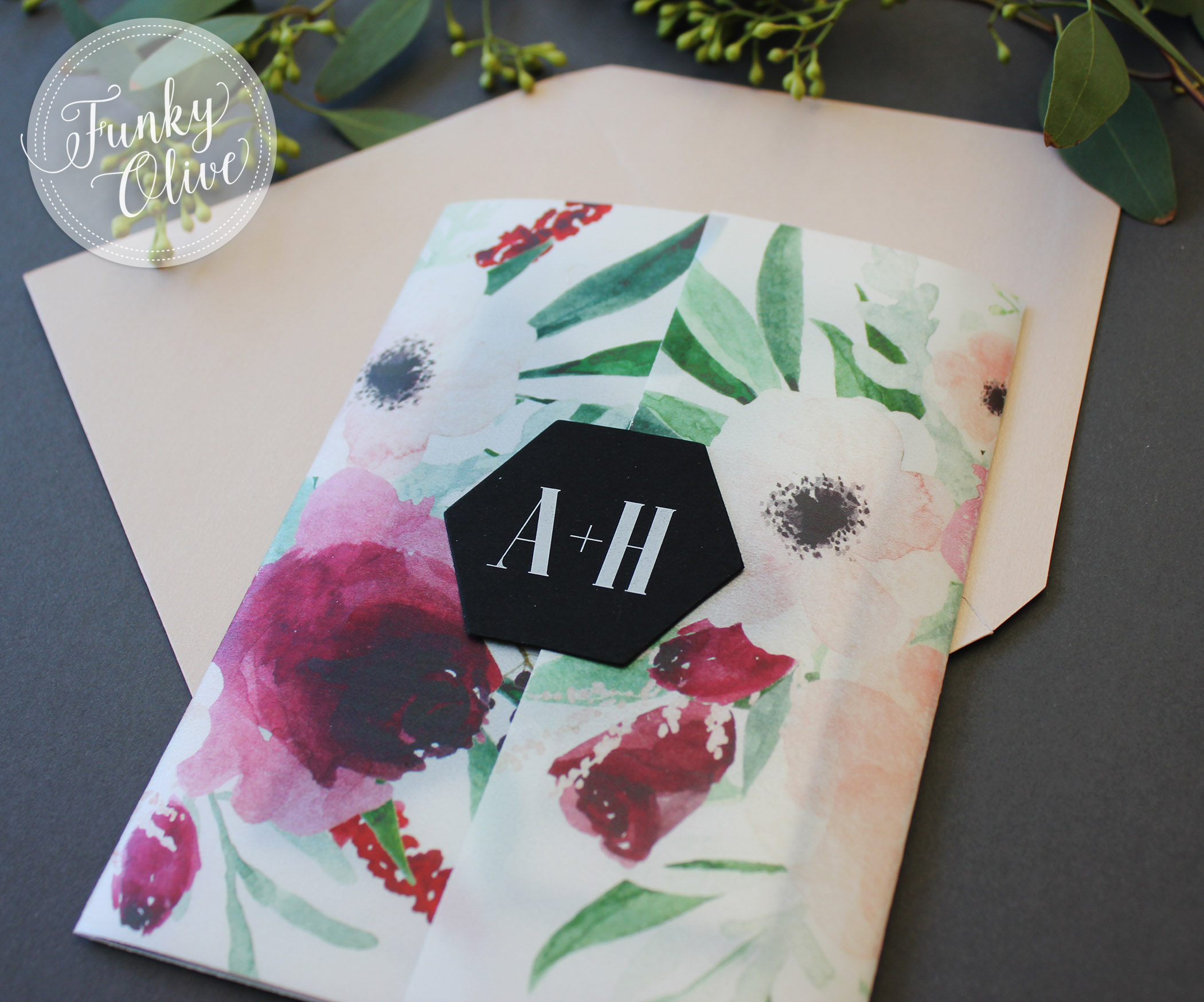 Now I know that this isn't a belly band (it's a simple cardstock seal), but how fun with this cute little hexagon shape be as a belly band topper!!! - you know you want it! And it's so chic in matte black with white ink printing.