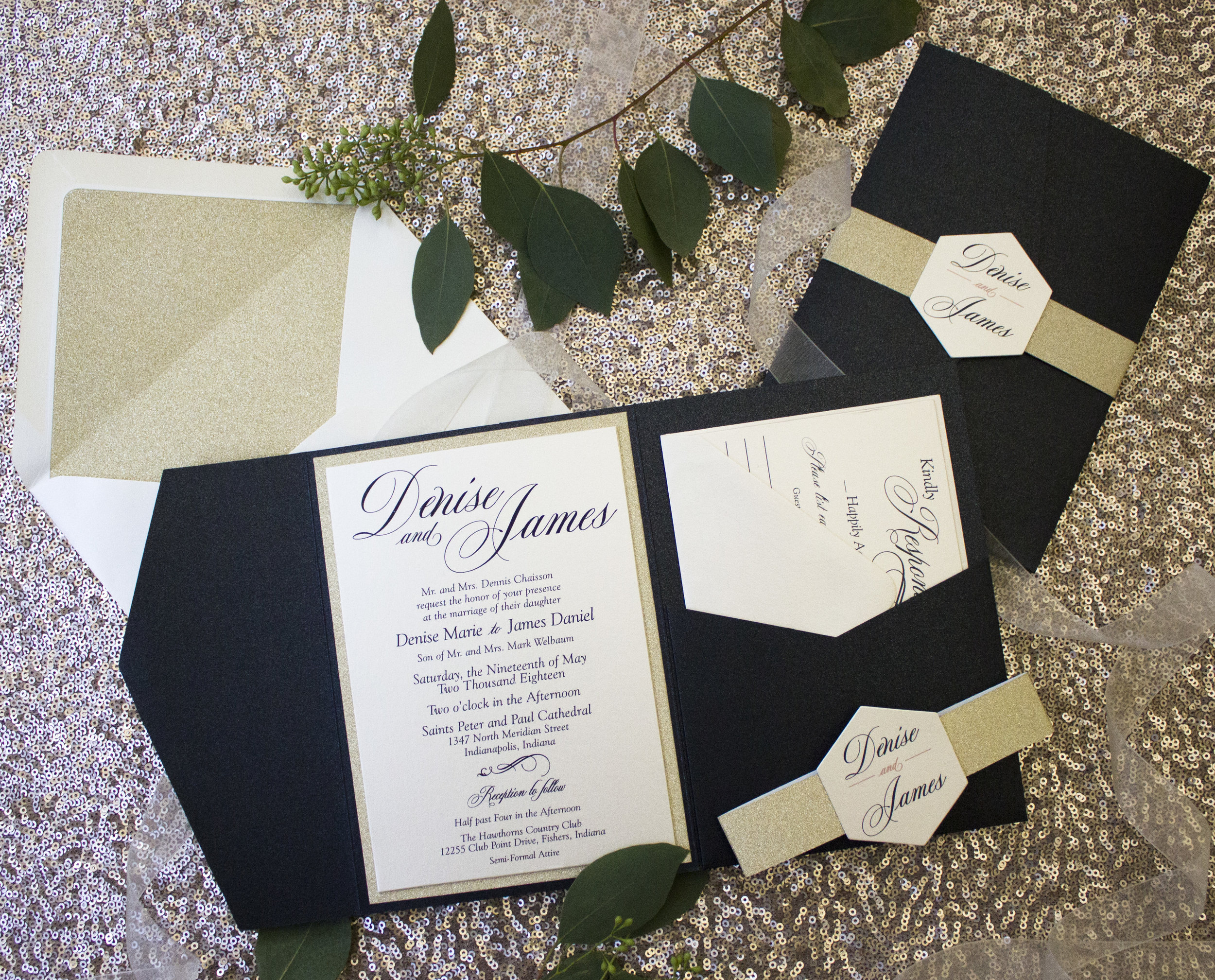 Pocketfolds - Help your guests keep all their details in place with a classic, timeless pocketfold style.