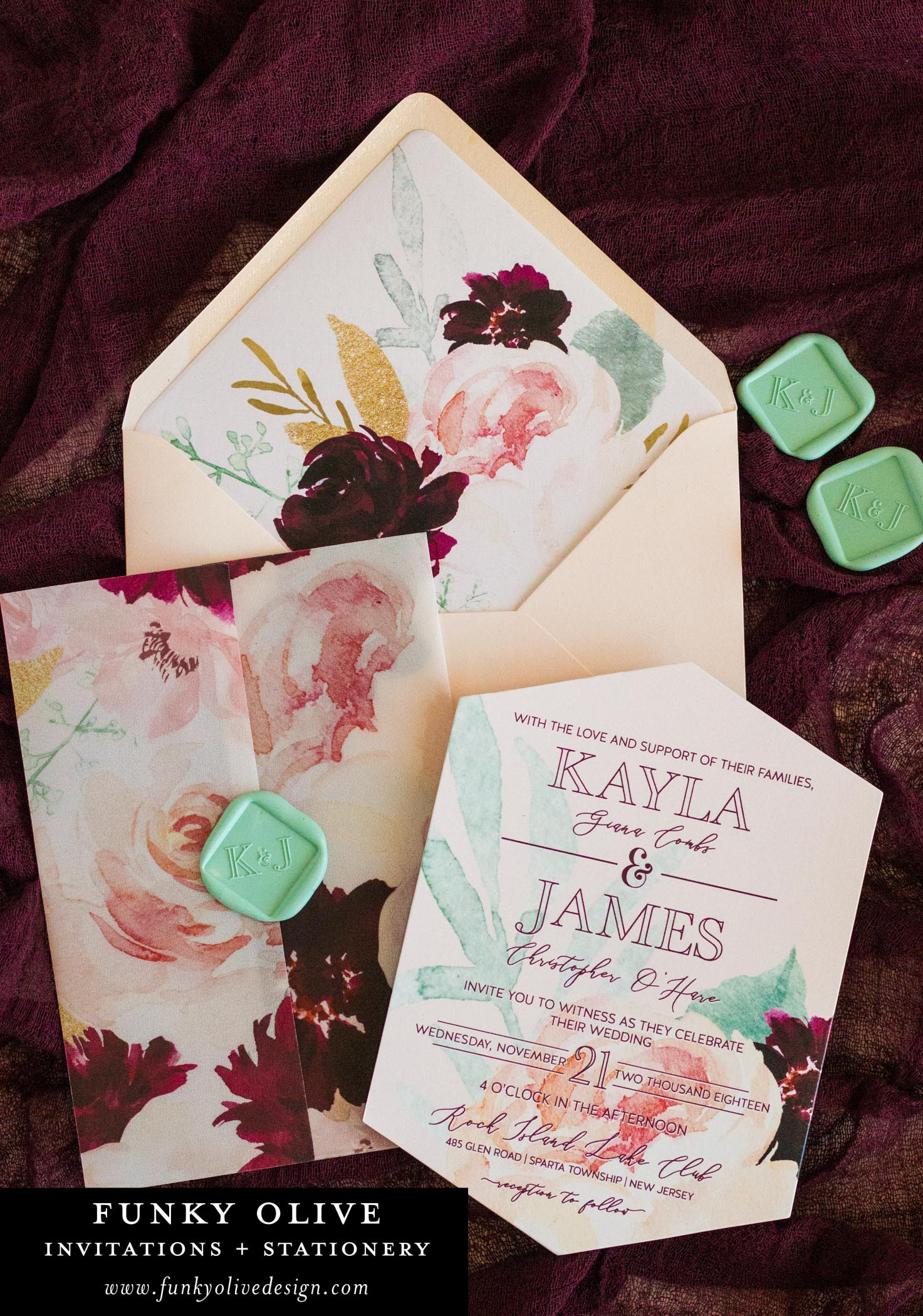 A mint green wax seal in a diamond shape? You know it! Checking off two style options in one design, Kayla will forever have our hearts!