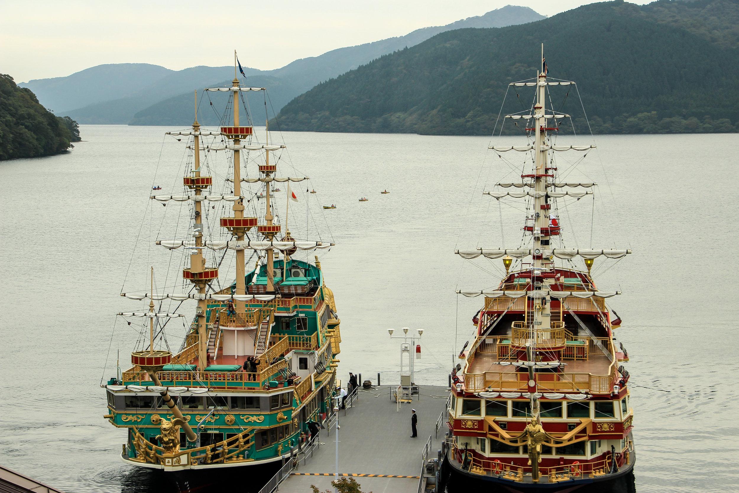 Hakone In A Simple Way Like That | Lake Ashi, Fuji-Hakone-Izu National Park, Japan, Asia | DoLessGetMoreDone.com |