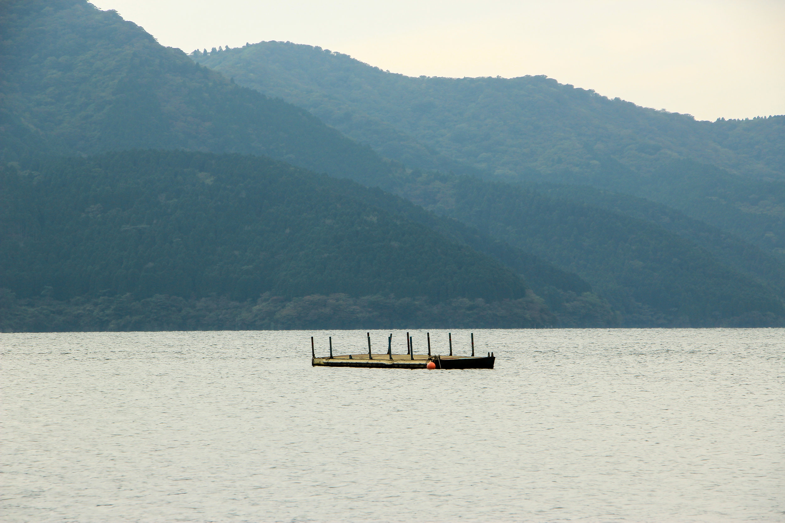 Hakone In A Simple Way Like That | Lake Ashi, Hakone | Fuji-Hakone-Izu National Park, Japan, Asia | DoLessGetMoreDone.com |