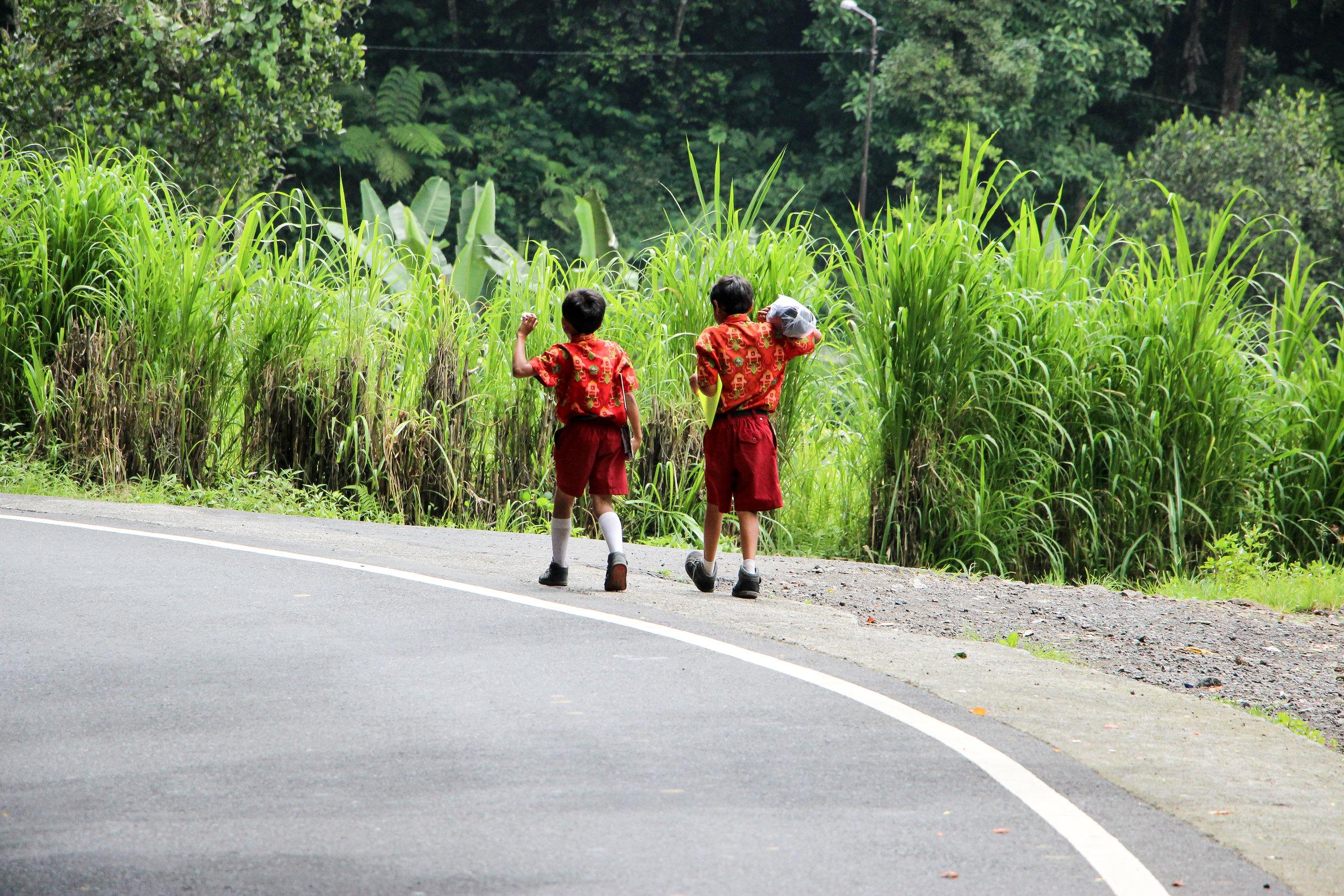 children, school uniform, Bali, Indonesia, Asia | DoLessGetMoreDone.com |