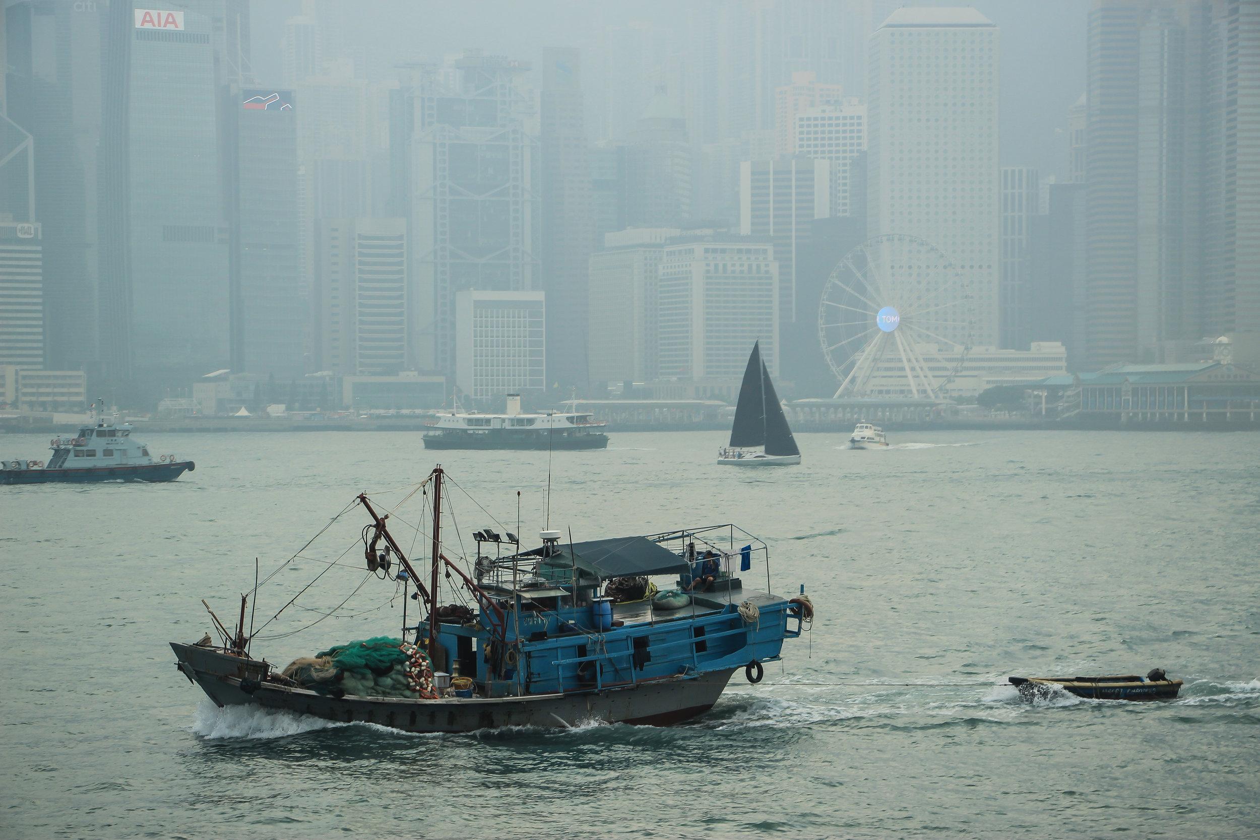 HONG KONG, HONG KONG ISLAND, SOUTH CHINA SEA, people, life, work, recreation, air pollution, travel, ASIA | DOLESSGETMOREDONE.COM |