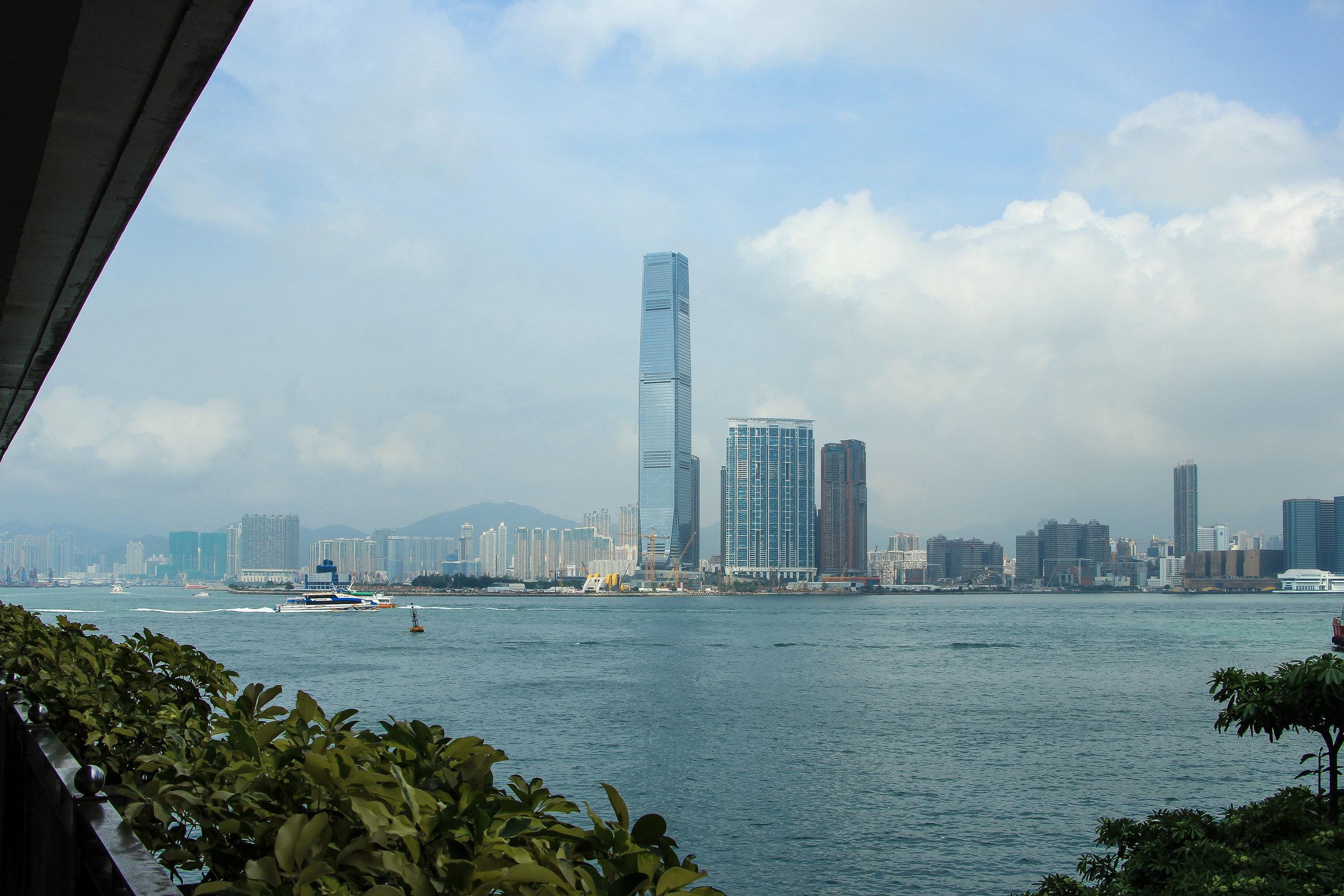HONG KONG, HONG KONG ISLAND, kowloon, South China Sea, ARCHITECTURE, MINIMAL, ASIA | DOLESSGETMOREDONE.COM |