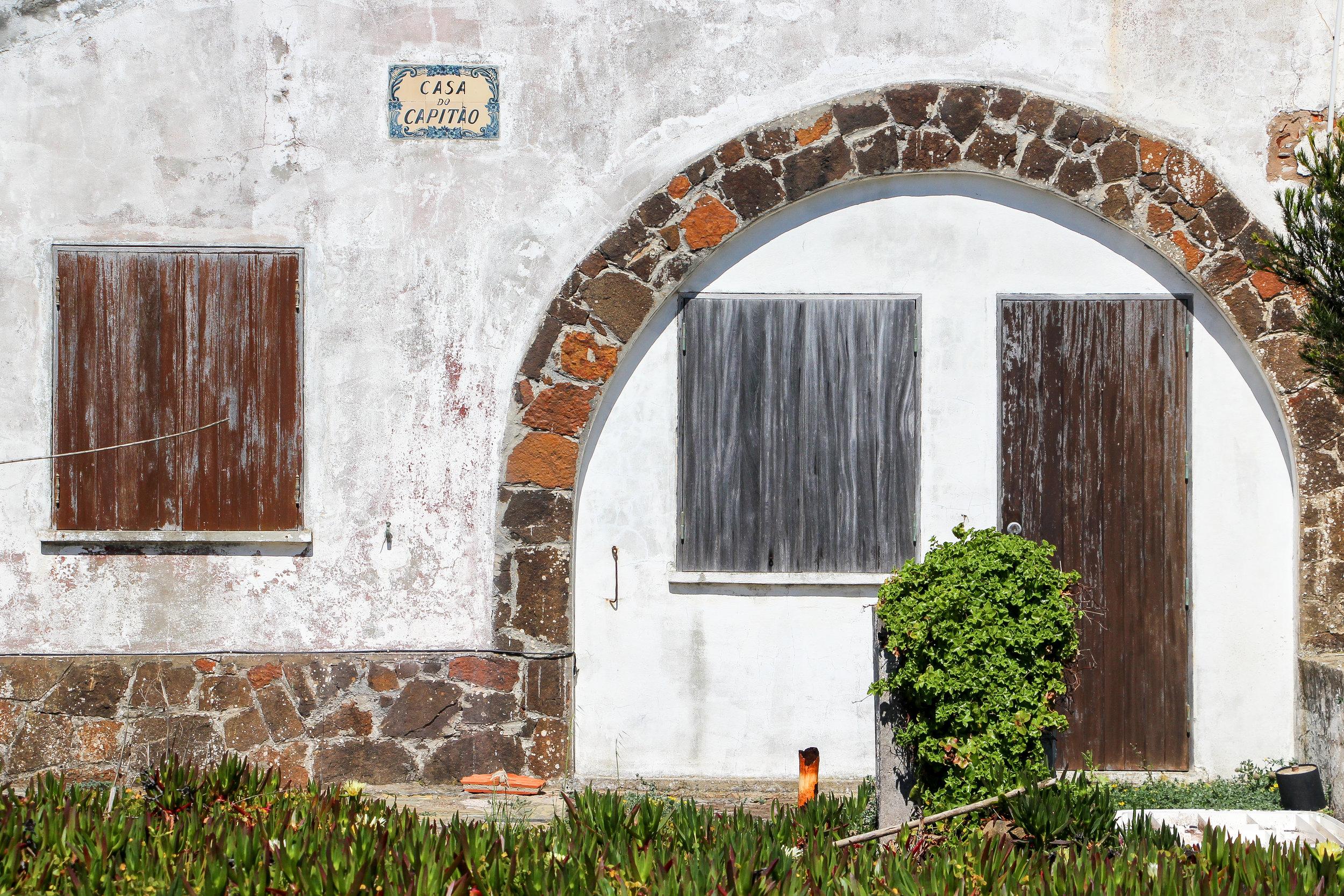 Praia da Zambujeira do Mar | Alentejo, Portugal, Europe | DoLessGetMoreDone.com | How to be on the good side of traveling?