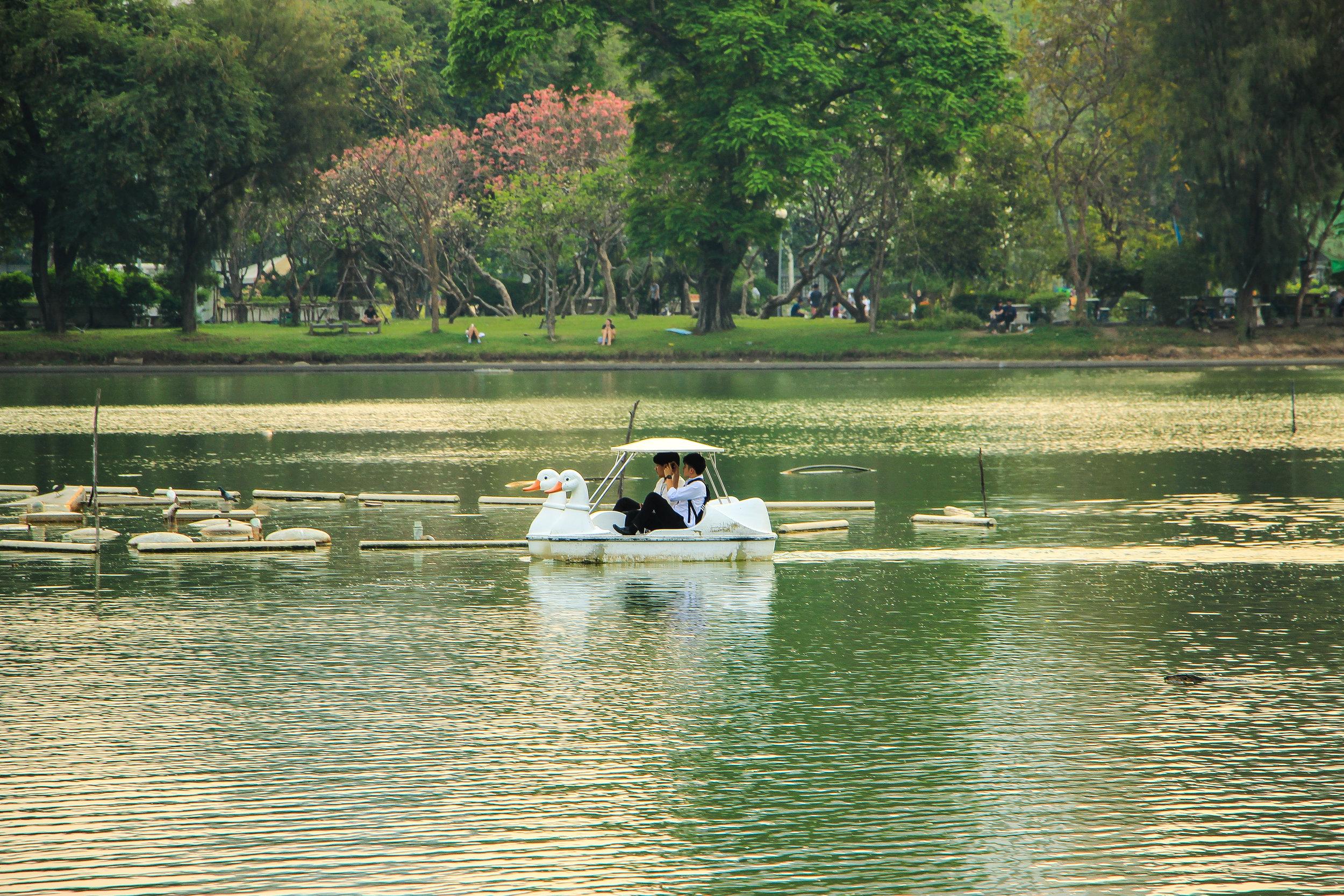 Lumpini Park, Bangkok, Thailand, Asia | DoLessGetMoreDone.com | What A Wonderful Life In A Tropical Metropolis …