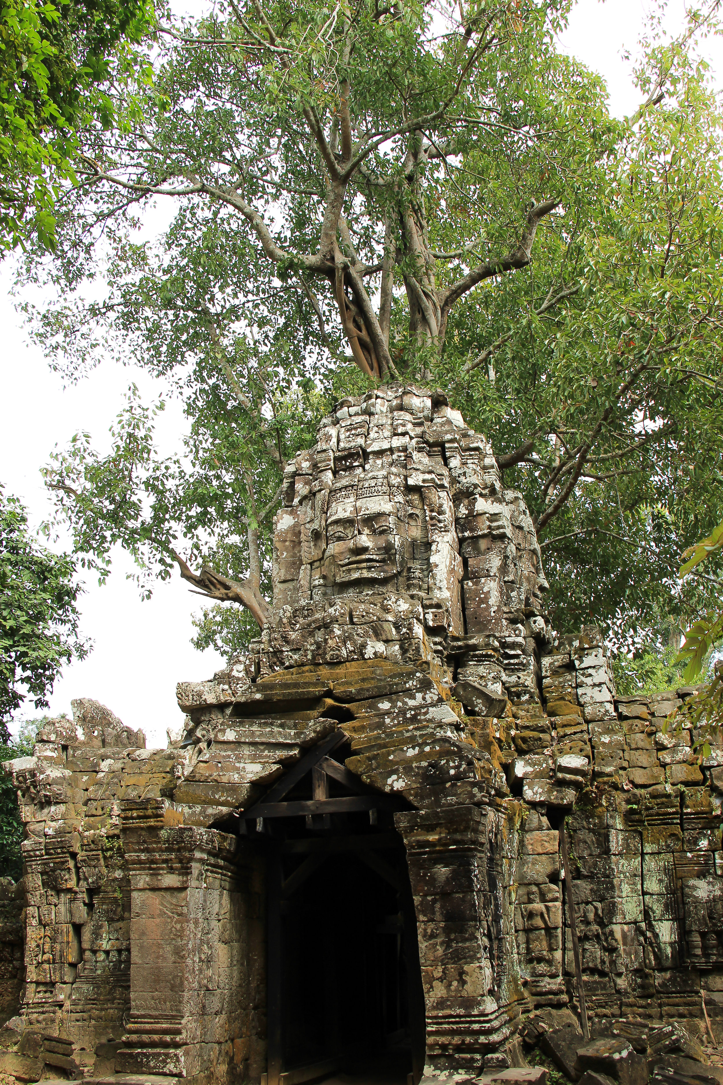 One Moment At A Time | Ta Som, Angkor, Siem Reap, Cambodia, Asia | DoLessGetMoreDone.com |