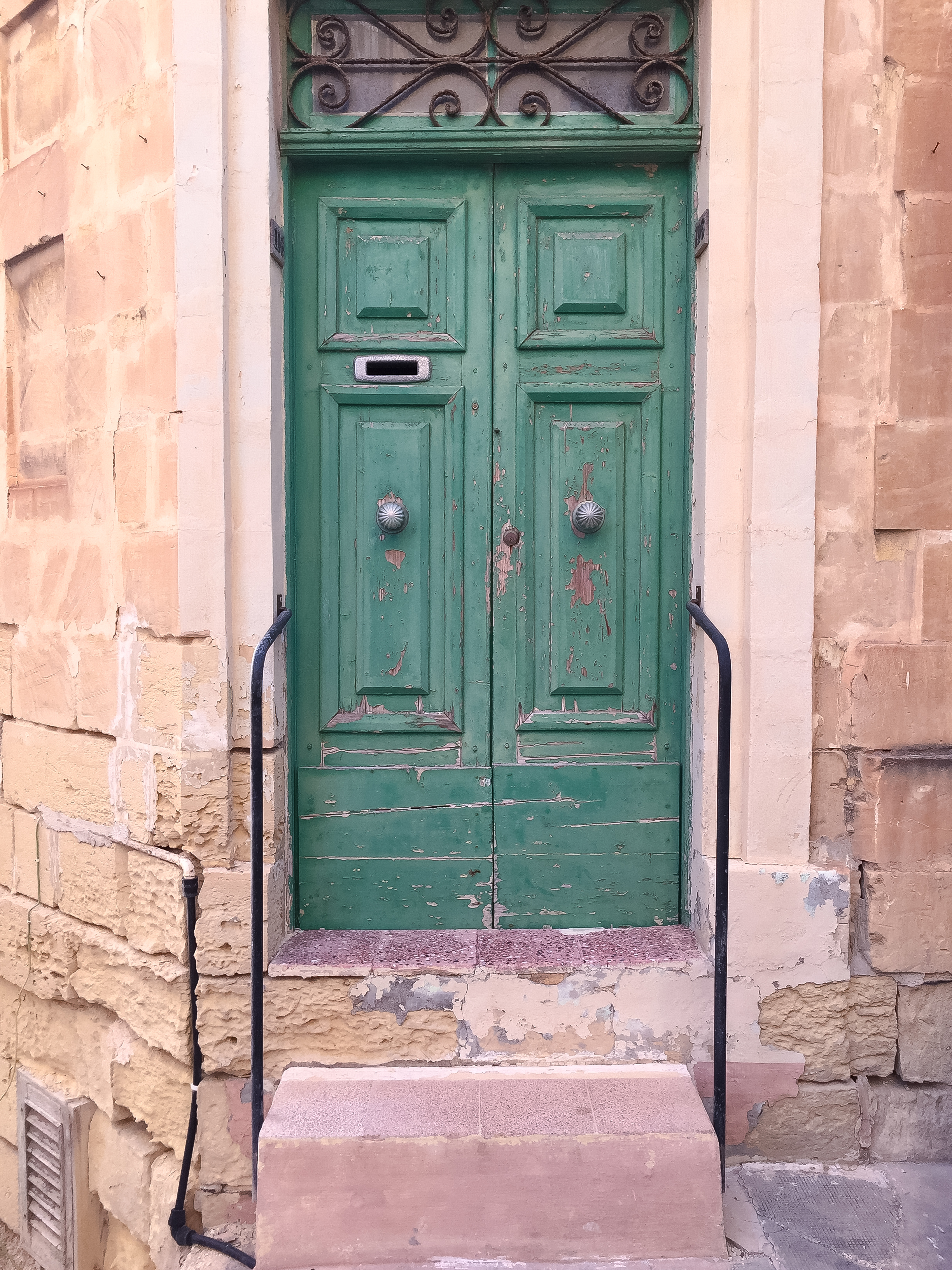 Door | Streets of Malta | Birgu | - Thinking About Appreciation For Quality In Malta | Malta, Europe | DoLessGetMoreDone.com | - Minimal Travel Documentary Photography - search for Liveability | Sustainability