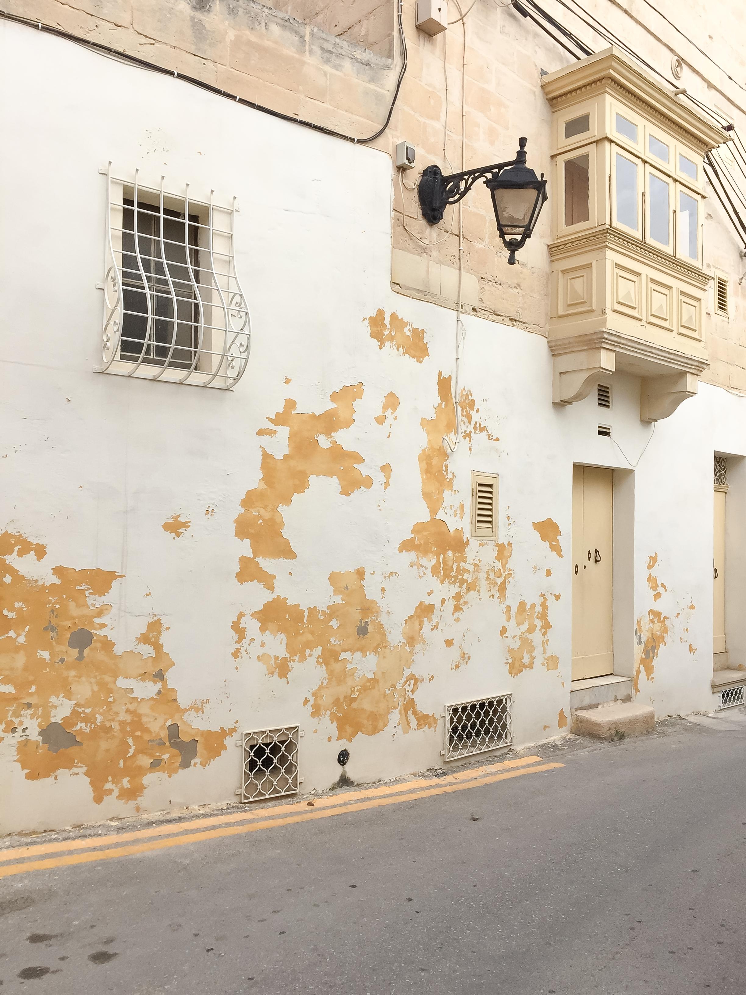 Street of Malta | MĦal Għargħur | - Thinking About Appreciation For Quality In Malta | Malta, Europe | DoLessGetMoreDone.com | - Minimal Travel Documentary Photography - search for Liveability | Sustainability