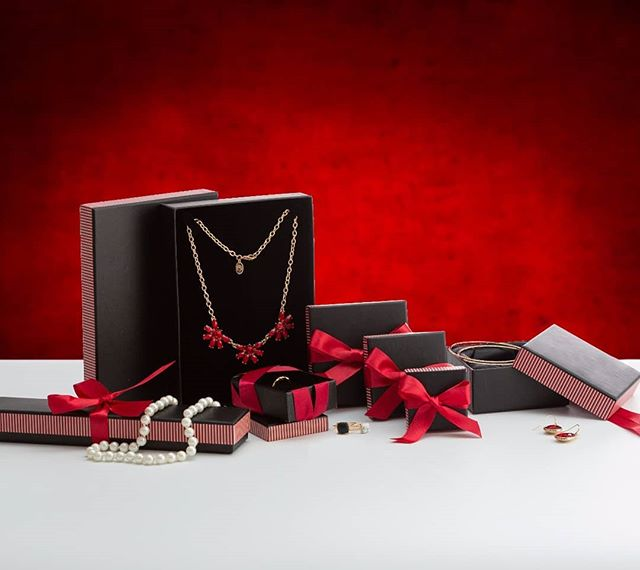 From a project we did for a catalog. styled by @rachel_grunfeld Catalog design by @clickandmarket  #jewelry #gift #boxes #jewelrybox #photography #stilllifephotography #commercialphotography #color #red #styling #lighting #photoshoot