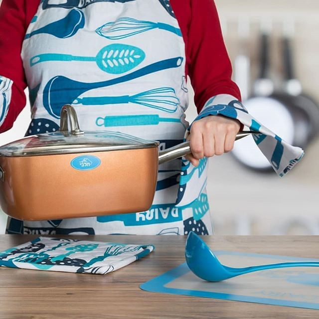 #photoshoot we did a while ago for @thekoshercook. #kosher #cook #apron #kitchen #color #blue #photography #stilllifephotography #commercialphotography #food #foodphotography #foodphoto