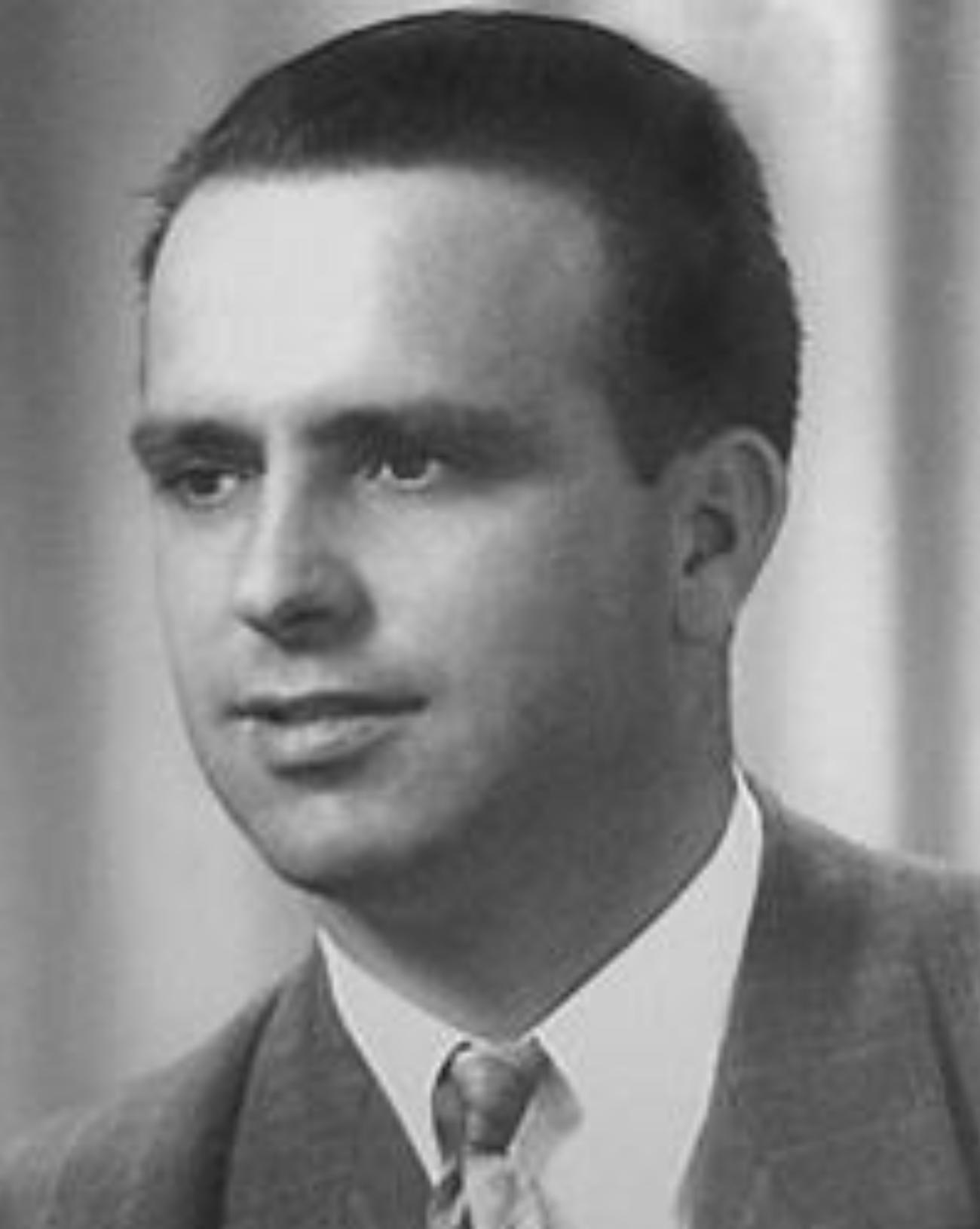 WILLARD W. GARVEY