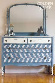 chlk painting furniture 3.jpg