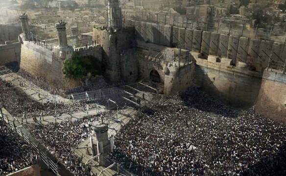 A scene from World War Z that includes the wall surrounding Jerusalem.