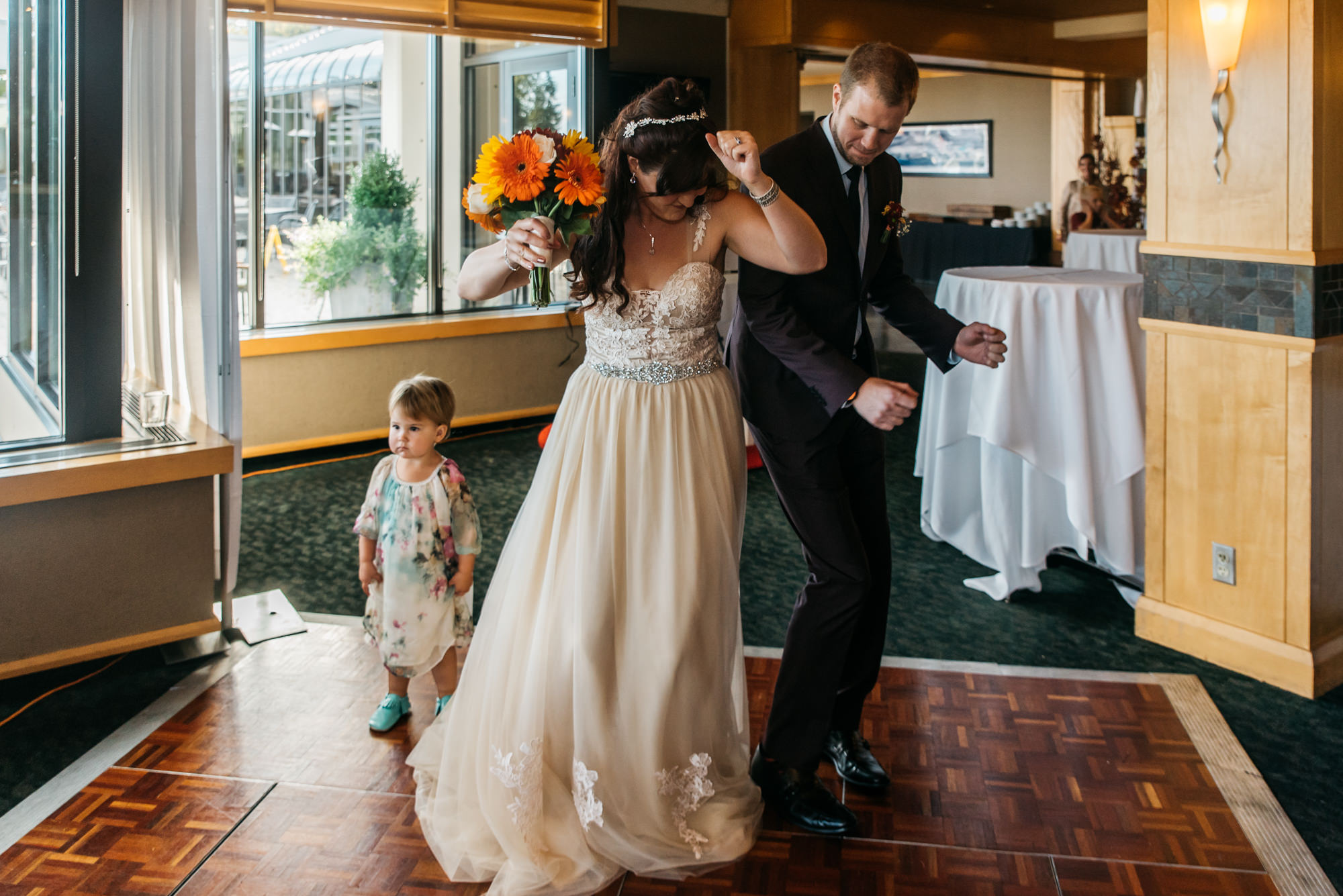 174102hollyburn_country_club_wedding_photographer_reception5.jpg