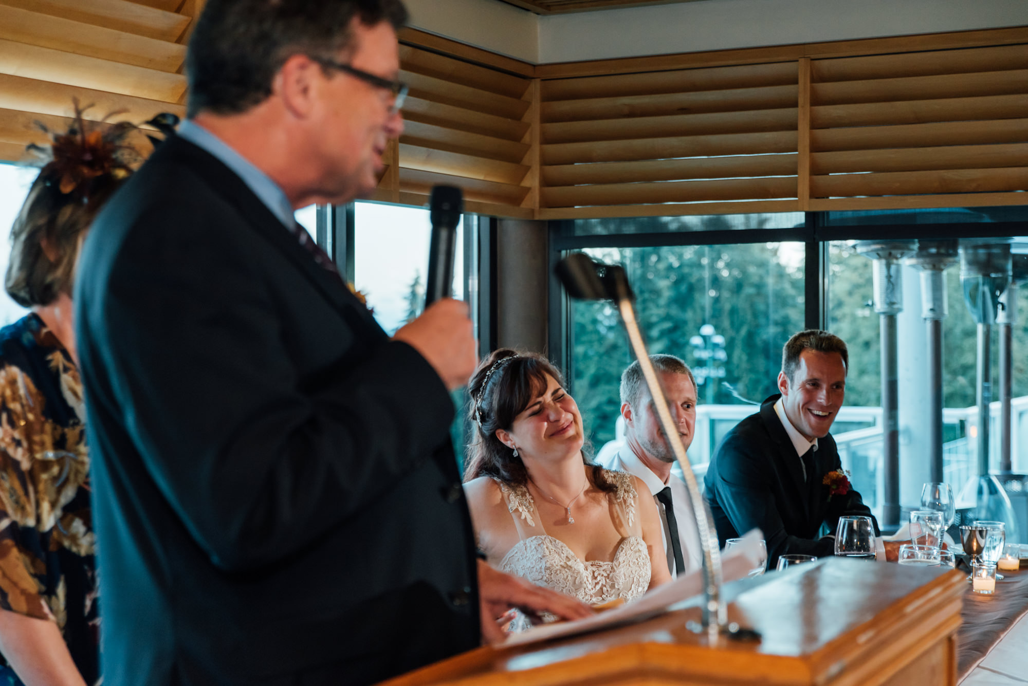 190957hollyburn_country_club_wedding_photographer_reception10.jpg