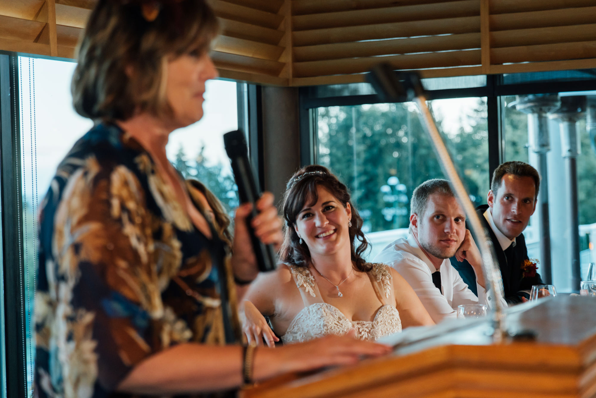 191131hollyburn_country_club_wedding_photographer_reception11.jpg
