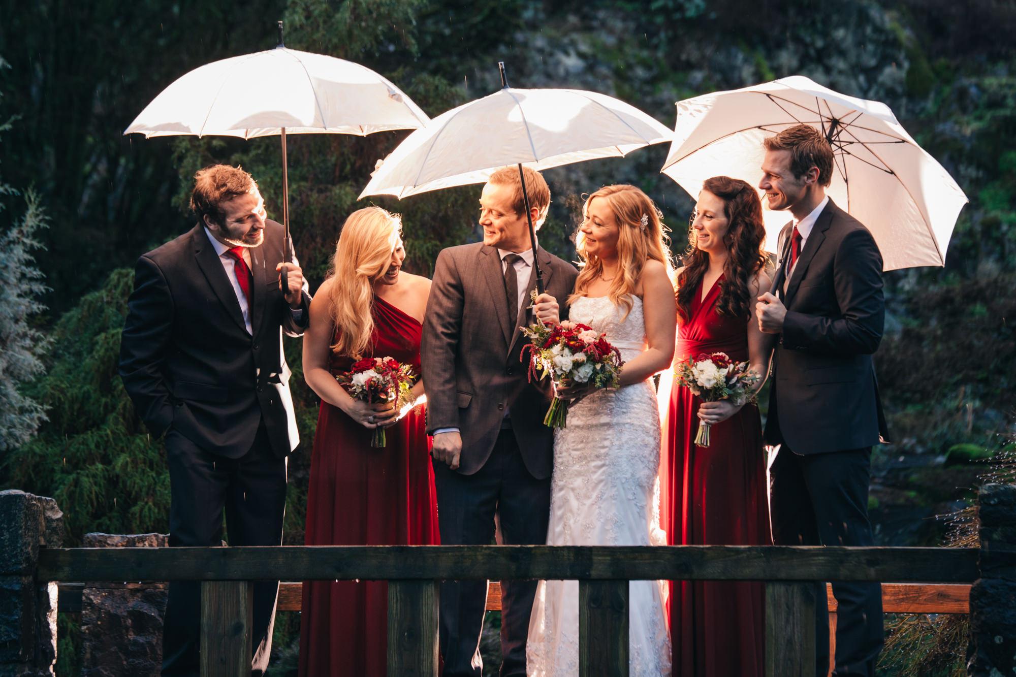 17-queen-elizabeth-park-wedding-party--qepark-umbrella.jpg