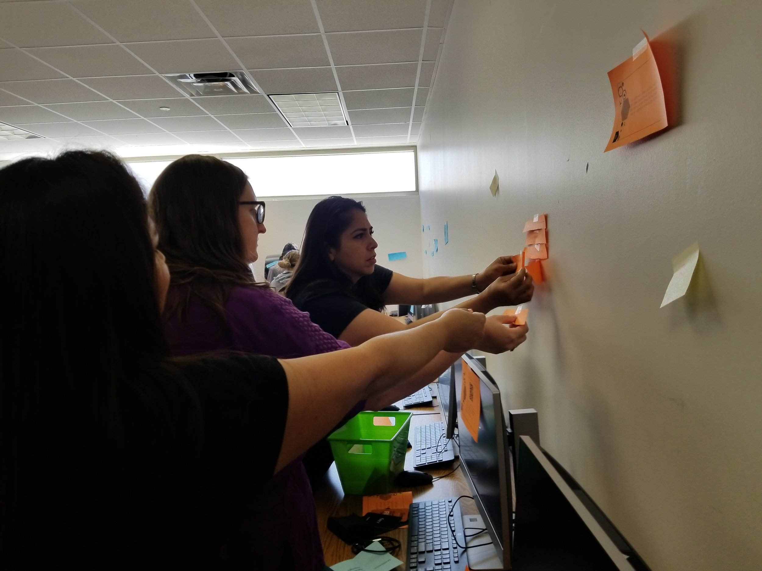 DISD teachers attended the summer Kindle Escape Room session.