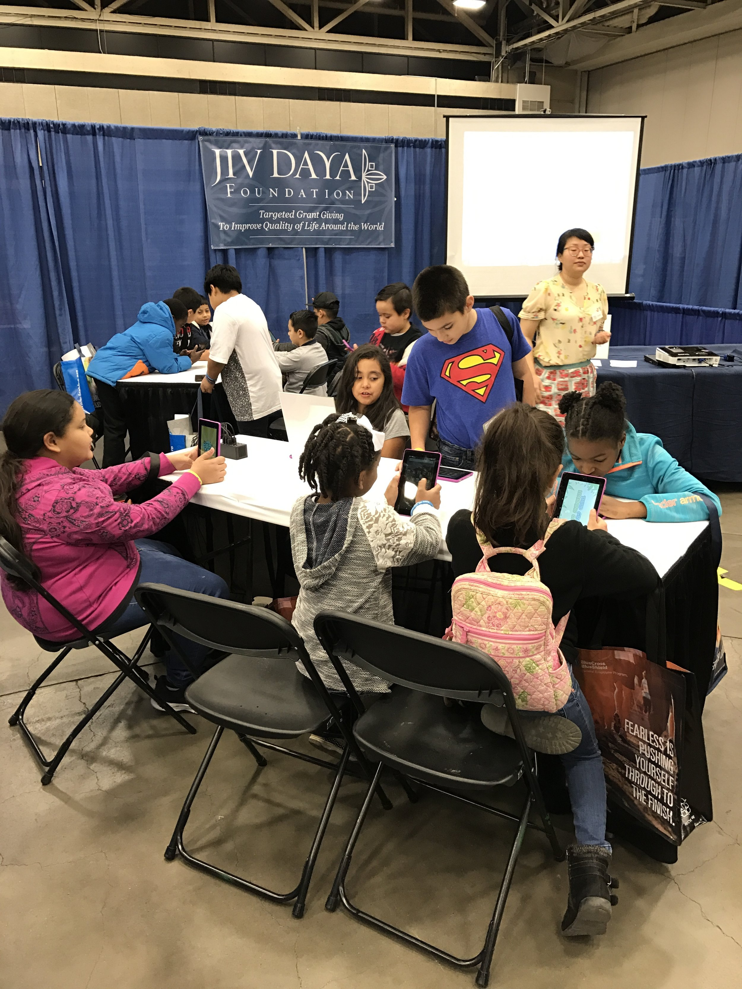 JDF at the Dallas STEM Expo sharing apps with parents and students.