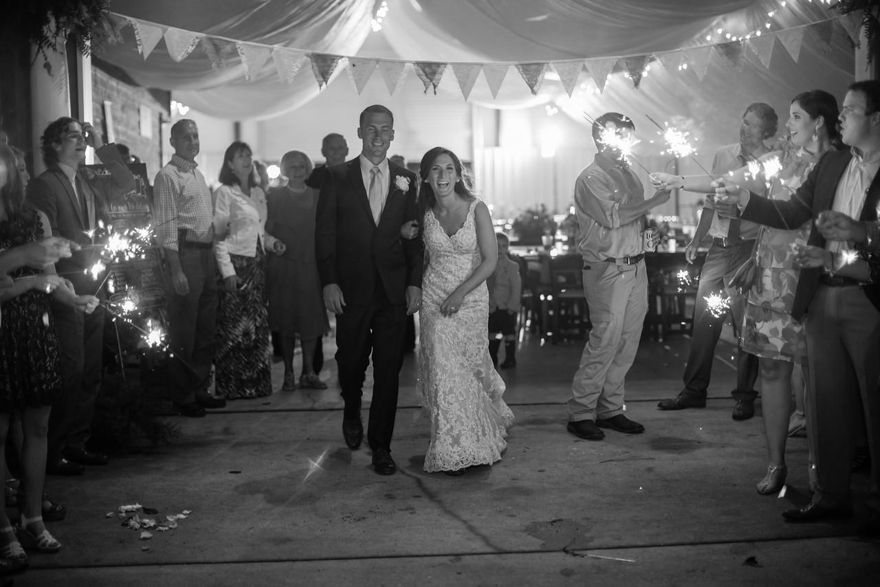 865_Daniel+Mia_WeddingBW-X2.jpg