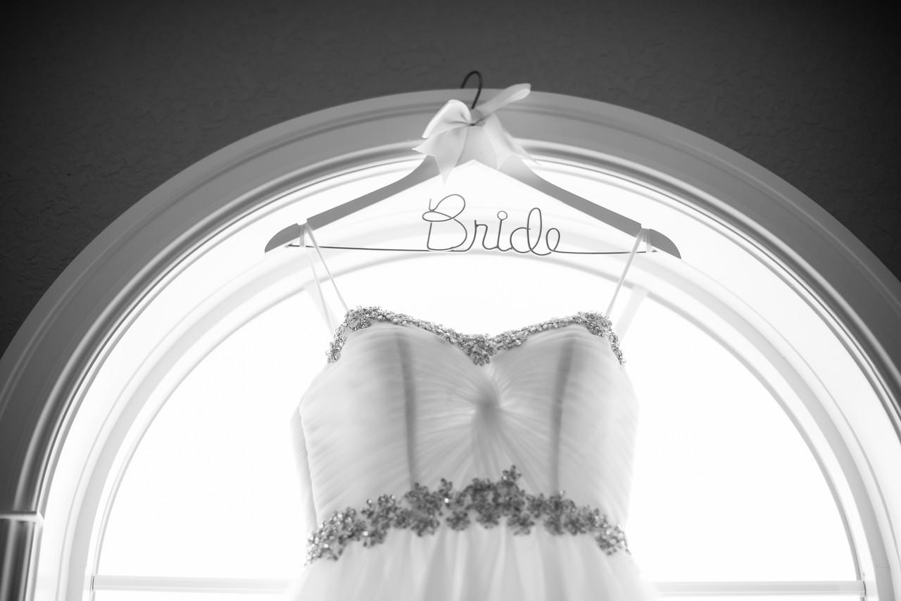 0090_Josh+Lindsey_WeddingBW-X2.jpg