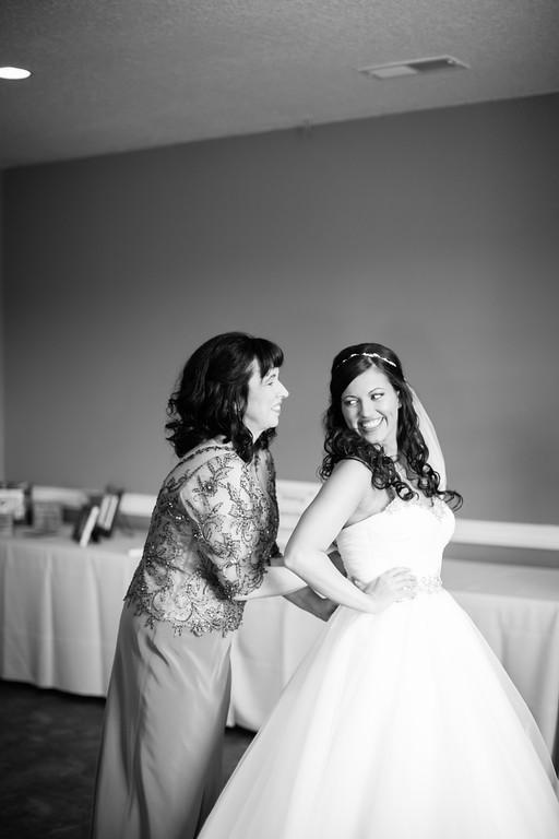 0121_Josh+Lindsey_WeddingBW-XL.jpg