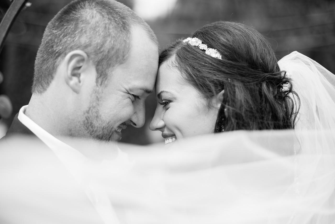 0319_Josh+Lindsey_WeddingBW-X2.jpg