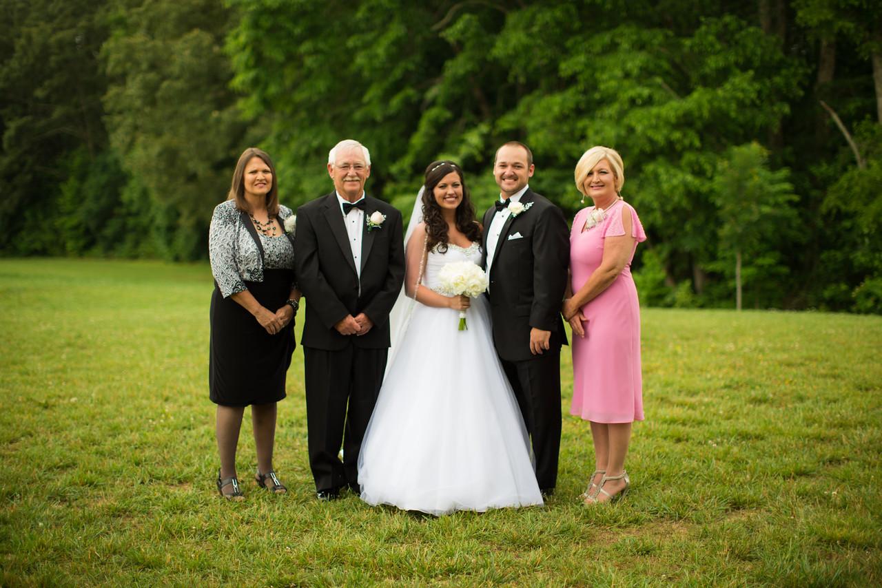 0447_Josh+Lindsey_Wedding-X2.jpg