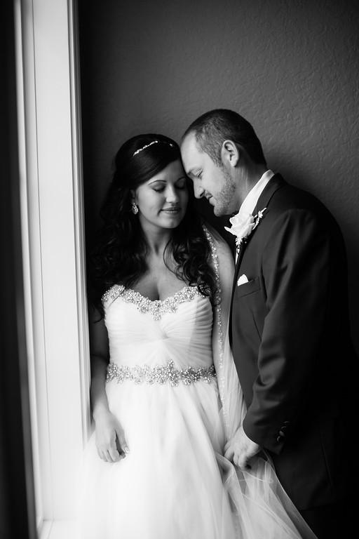 0518_Josh+Lindsey_WeddingBW-XL.jpg
