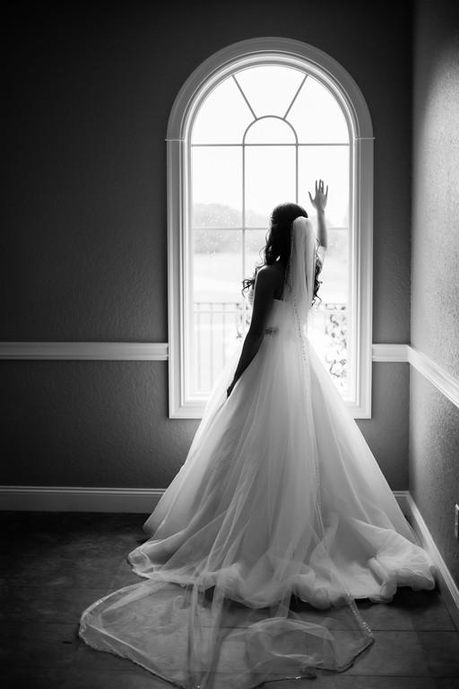 0526_Josh+Lindsey_WeddingBW-XL.jpg