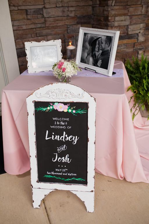 0553_Josh+Lindsey_Wedding-XL.jpg