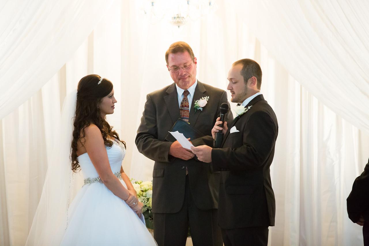 0676_Josh+Lindsey_Wedding-X2.jpg