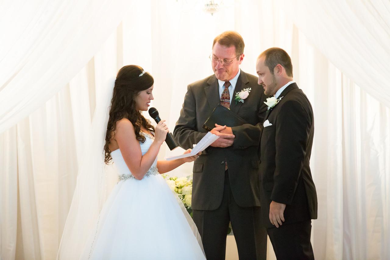 0682_Josh+Lindsey_Wedding-X2.jpg