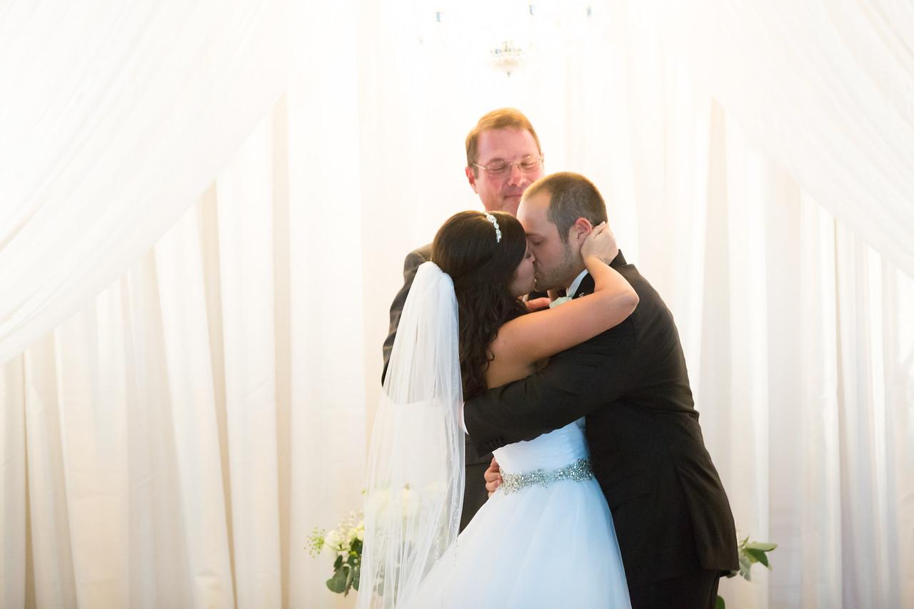 0707_Josh+Lindsey_Wedding-X2.jpg