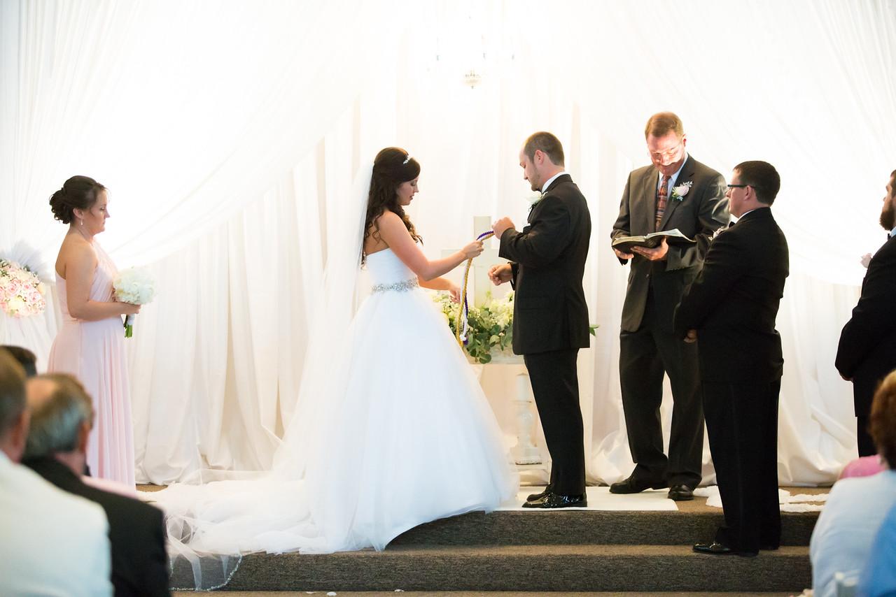 0696_Josh+Lindsey_Wedding-X2.jpg