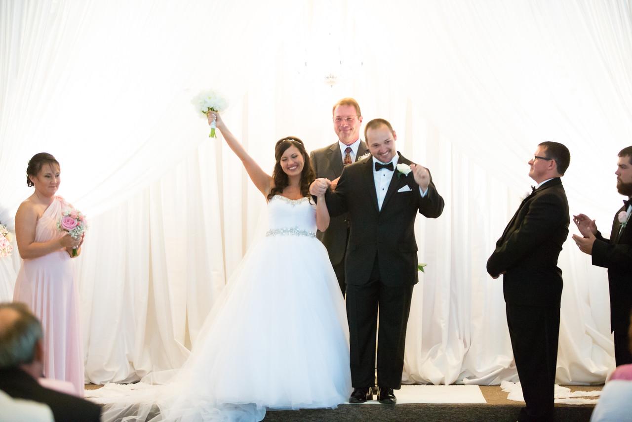 0716_Josh+Lindsey_Wedding-X2.jpg