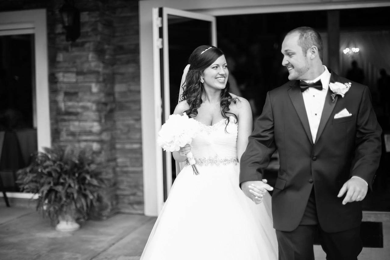 0725_Josh+Lindsey_WeddingBW-X2.jpg