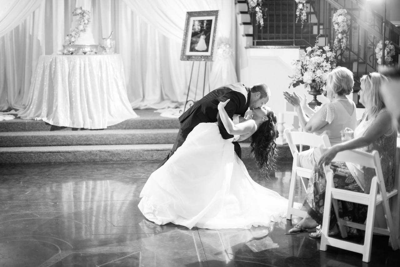 0894_Josh+Lindsey_WeddingBW-X2.jpg