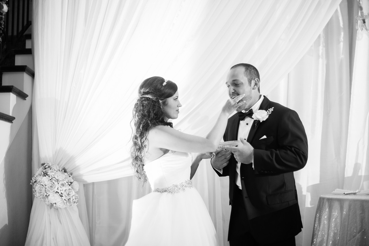 0923_Josh+Lindsey_WeddingBW-X2.jpg