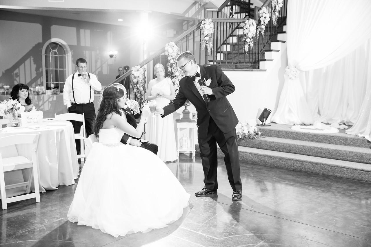 0938_Josh+Lindsey_WeddingBW-X2.jpg