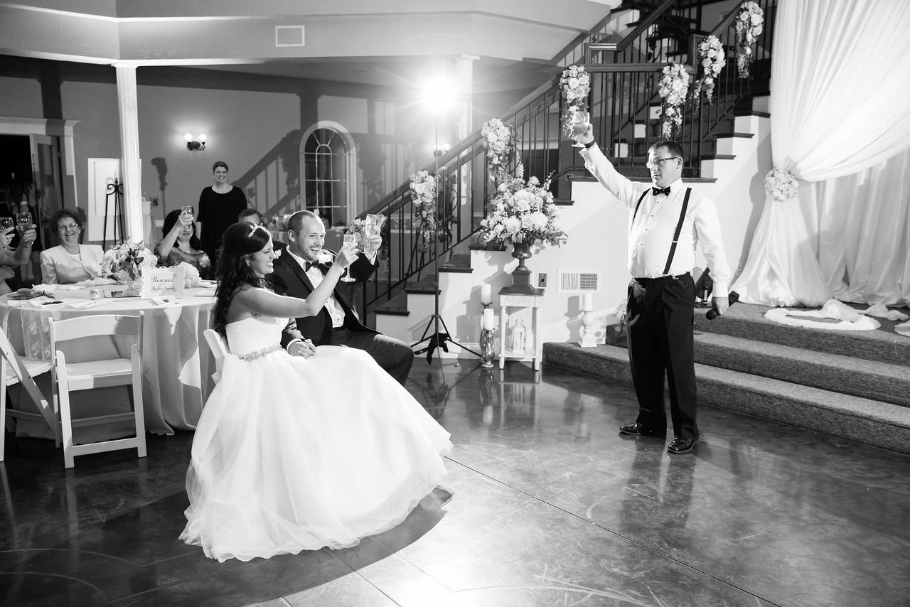 0955_Josh+Lindsey_WeddingBW-X2.jpg