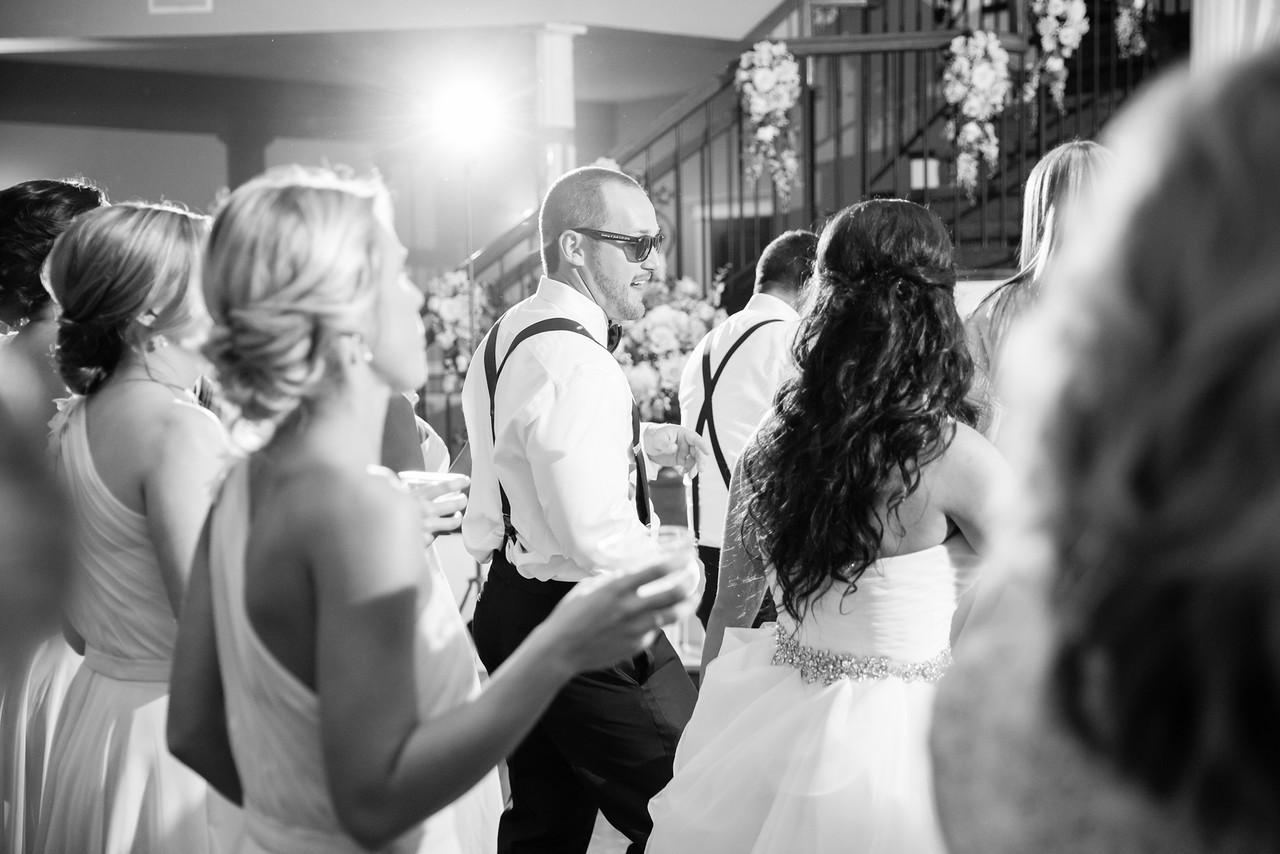 1032_Josh+Lindsey_WeddingBW-X2.jpg