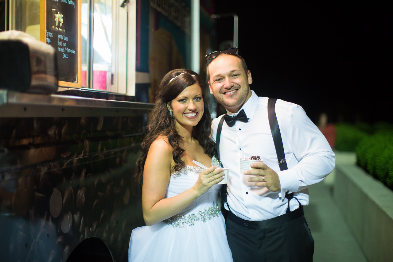 1011_Josh+Lindsey_Wedding-X2.jpg