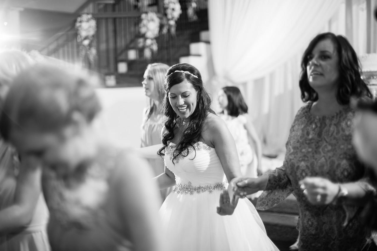 1036_Josh+Lindsey_WeddingBW-X2.jpg