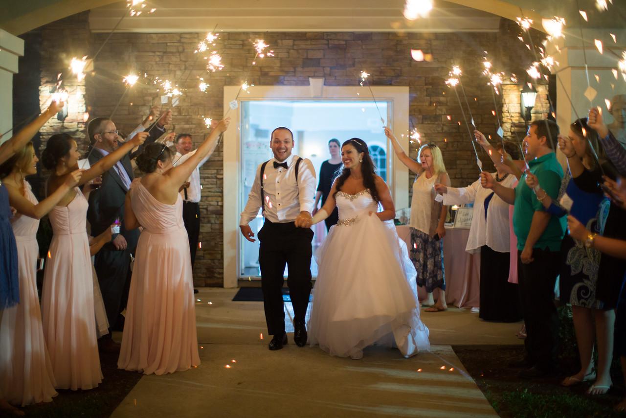 1194_Josh+Lindsey_Wedding-X2.jpg