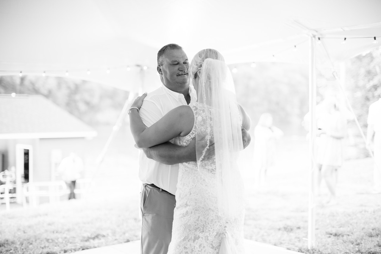 541_Kyle+Shauna_WeddingBW-X2.jpg