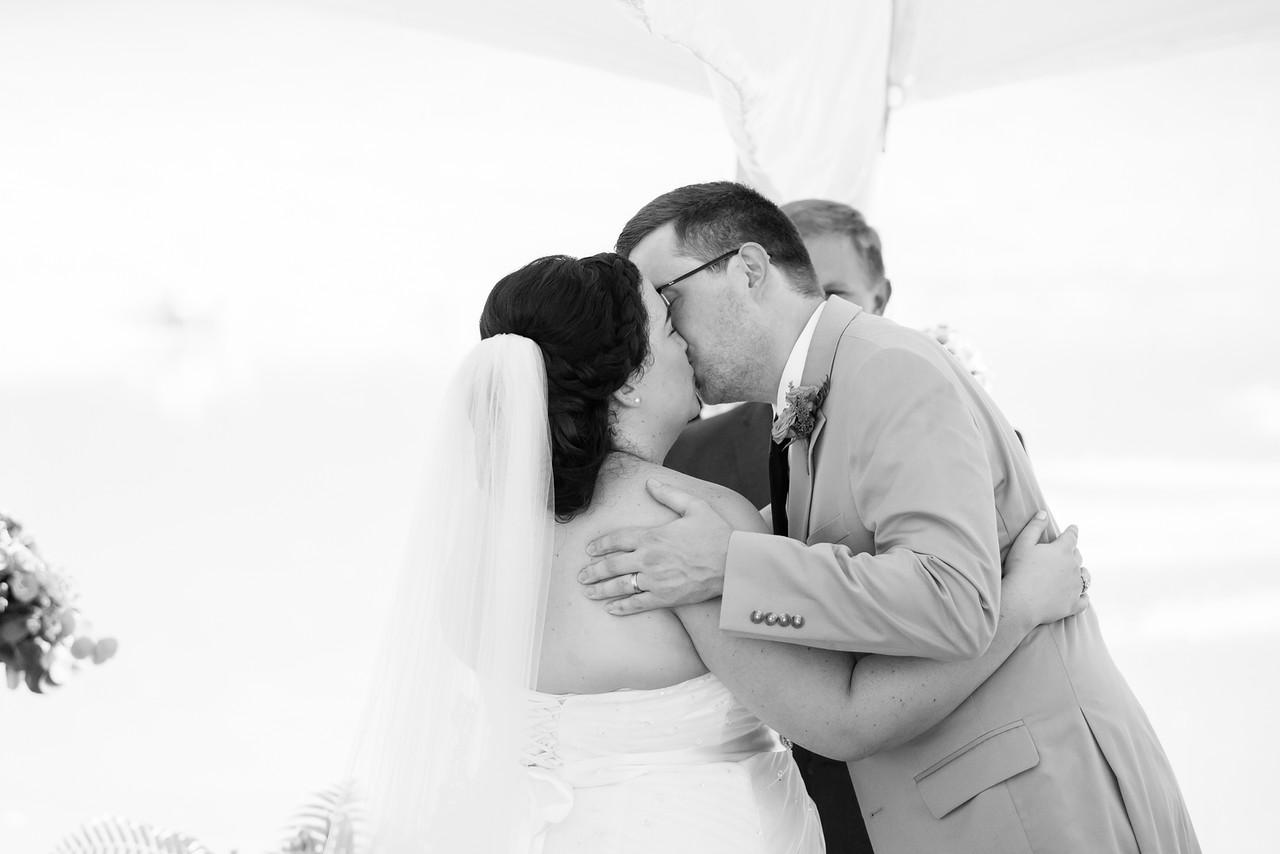 423_Chris+Hannah_WeddingBW-X2.jpg